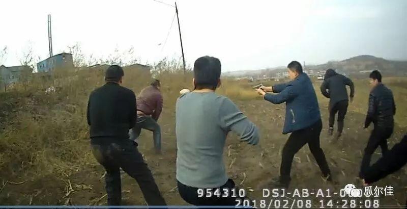 《2018打黑除恶第一枪,开枪民警荣立二等功》