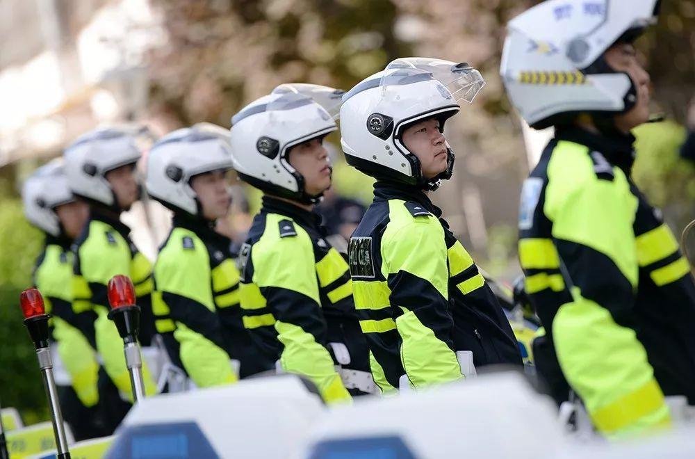 《公安部刚下通知,全国交警开始上路查车!》