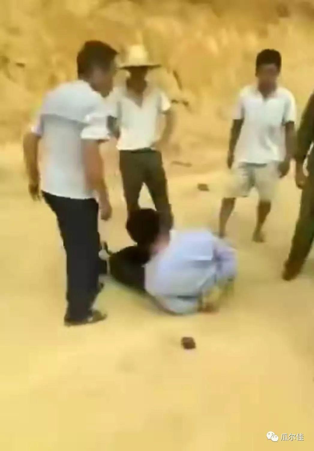 """广西民警遭歹徒捆绑殴打!""""天高路远""""就可以胡作非为?"""